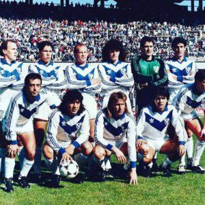 Temporada de la AFA en 1989/90; Coloccini, Simeone, Ischia, Mancuso, Fillol y Lucca (par.)  Morresi, Fúnes, Gareca, Cardozo y Gallego (hin.). Circa   Compartido por Rolando Paolucci